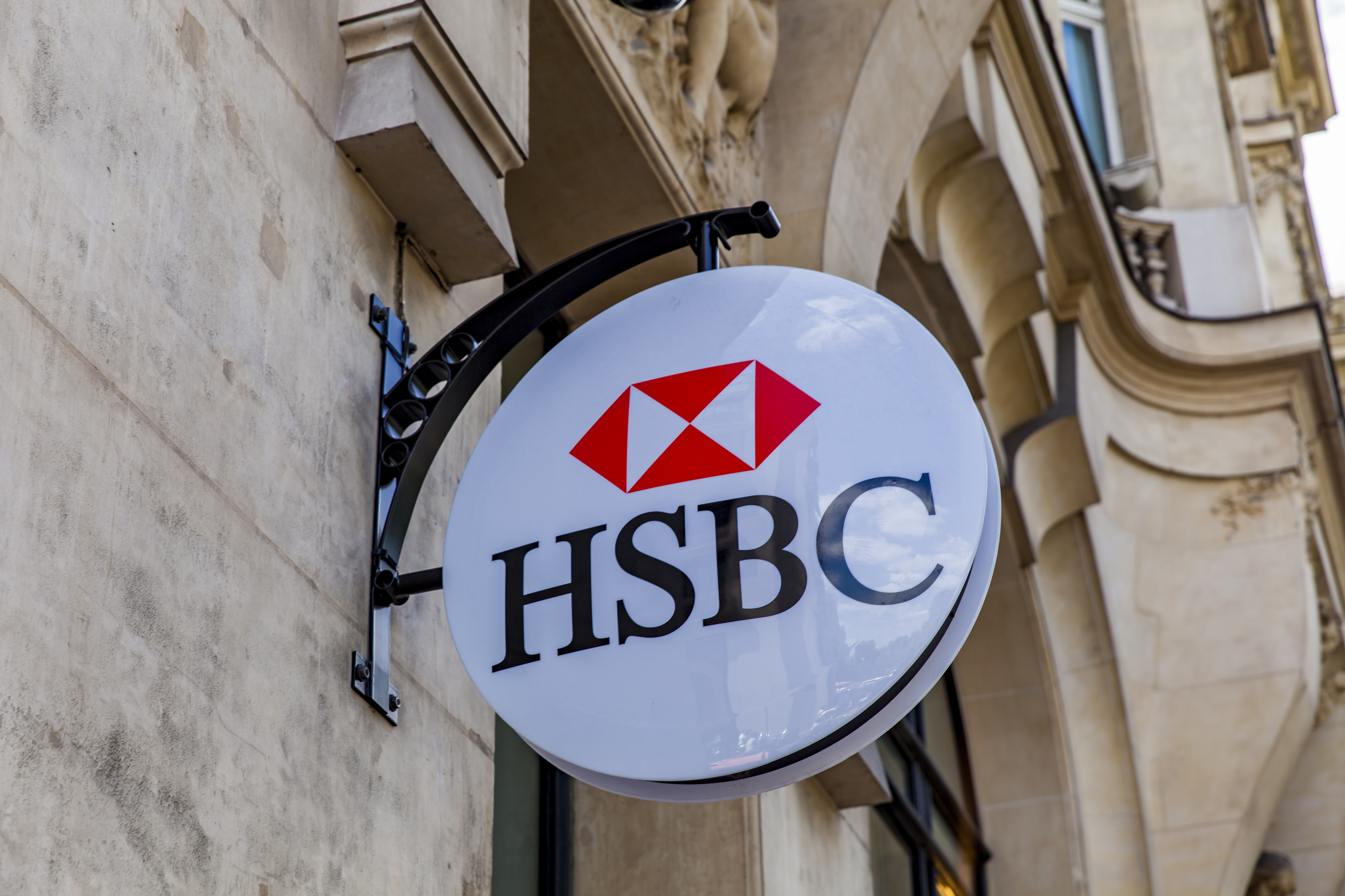 JLL IN HSBC CONTRACT EXTENSION