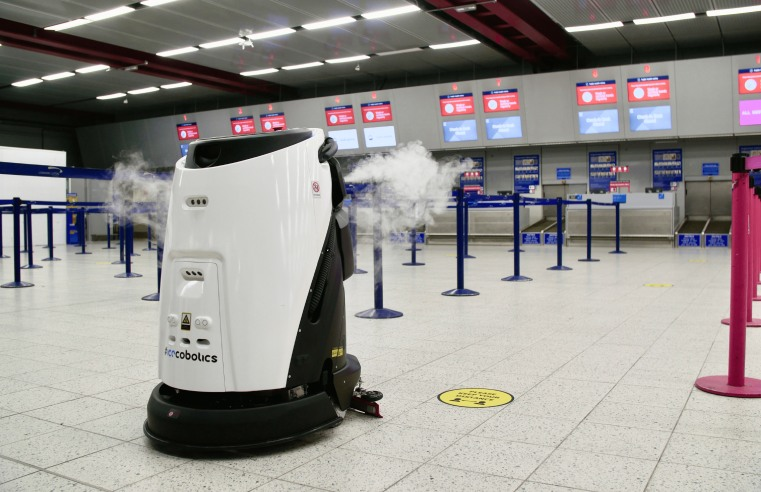 UP AND AWAY: SASSE AND ICE INTRODUCE ROBOTICS AT LUTON AIRPORT